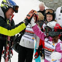 Felix Neureuther gibt Tipps: Kids auf der Piste - ©Intersport Pressemappe/Sammy Minkhoff