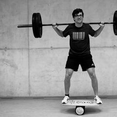 Gerhards Kniebeuge: Balance halten - ©Dr. Core