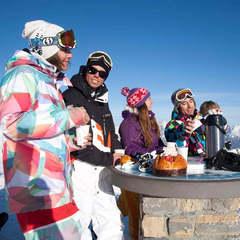 Pour bien skier, pensez à bien manger et à vous hydrater régulièrement - ©© Scalp