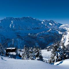 Blick auf das Skigebiet Portes du Soleil oberhalb Champéry - ©swiss-image.ch/Christof Sonderegger