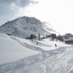 First skiers on the slopes in Serre Che. Dec. 8, 2012