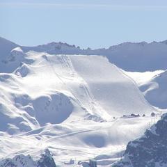 Il ghiacciaio Presena visto dalla Cima Bleis, sull'opposto versante - ©A. Corbo