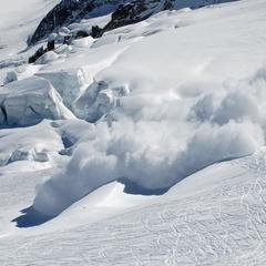 Pour que la sortie hors-piste ne se transforme pas en drame, consultez et interprétez correctement les bulletins d'estimation du Risque d'Avalanche - ©Oree