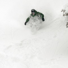 Hitting Upper Hall's Alley off of the Breezeway lift early in the day.