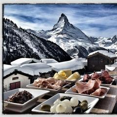 Een mooi uitzicht en regionale specialiteiten - ©Chez Vrony