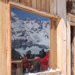 Lunch on the deck at Tio Bob's, Portillo's mid-mountain restaurant, is a beloved tradition.