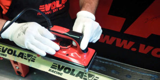 Comment préparer ses skis avant la saison ? ©Vola