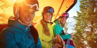 Specjalne oferty narciarskie dla Pań: w tych ośrodkach narciarki szusują gratis ©Courtesy of Canyons Resort/Rob Bossi