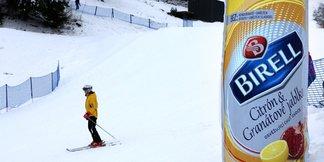 Lyžaře na sjezdovkách ochrání bezpečnostní bariéry ©Plzeňský Prazdroj
