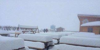 Raport śniegowy: Przyszła zima i opady śniegu aż po doliny, kolejne ośrodki otwierają sezon! ©Facebook Tignes