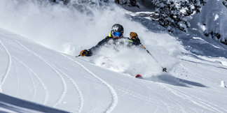 News Roundup: Taos Air Takes Flight, Mt. Hood Meadows Launches Dynamic Pricing ©Liam Doran
