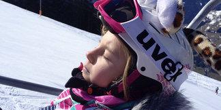 Dobre vedieť: Kde je lyžiarska prilba na zjazdovkách povinná? ©TVB Mayrhofen/Eva Wilhelmer/Gabi Huber