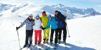 Ski & partage lors des journées Affinity Ski aux Carroz