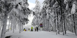 Spousta přírodního sněhu v Harrachově - © Skiareál Harrachov - facebook
