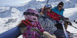 Skier hors vacances scolaires : avantages et inconvénients ©OT Tignes - Tristan Shu