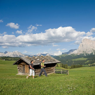 Ein Hochplateau, so weit das Auge reicht. Die Seiser Alm ist die größte Hochalm in Europa. - ©Südtirol Marketing/Thomas Grüner