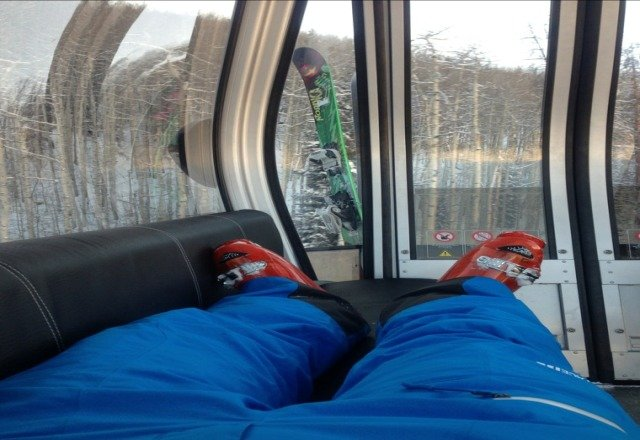 If you wernt up here today you missed out. living the life with m feet up on heated seats rocking yo some tunes I downloaded on the gondola one wifi with the whole thing to myself. Then I get to go make my own fresh tracks.