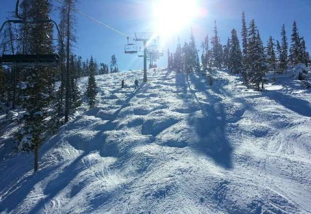 Beautiful day on Sunday.  Good snow, only icy toward the bottom.