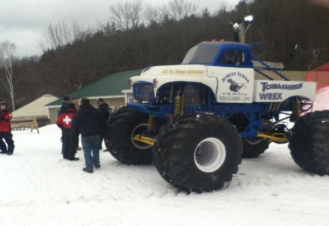 Monster Truck and skiing, how cool!