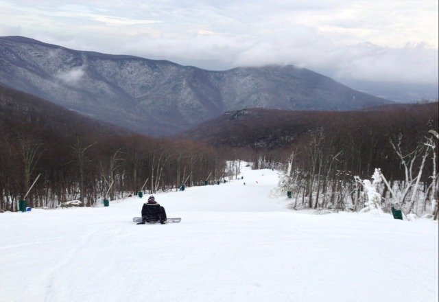 Good snow today, not too crowded. Only one Highlands run open so far though