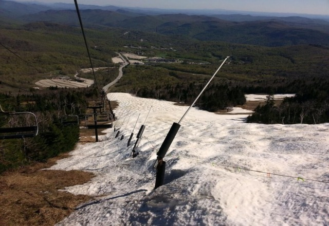 great pic from Killington's twitter feed. upper superstar. very impressive they still have snow that was quite the glacier.