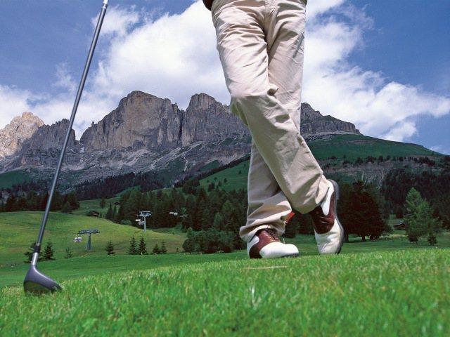 Golf tra le piste delle Dolomiti