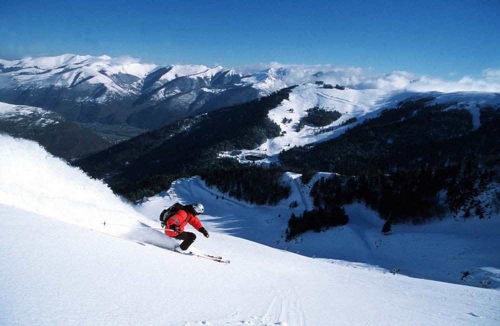 Ski sur les pentes de Luchon Superbagnères - © OT Luchon