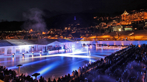 Die Eislaufshow auf dem gefrorenen St. Moritzersee - © ENGADIN St. Moritz