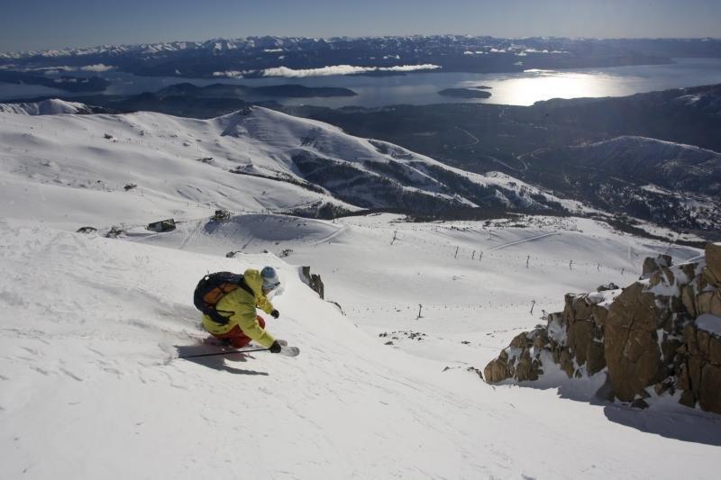 Panorama incomparable sur les sommets environnants depuis les pistes de ski de Cerro Catedral - © ® Catedral Alta Patagonia