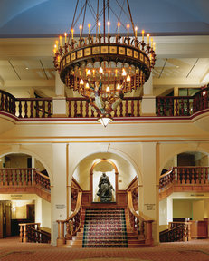 Fairmont lobby - ©Fairmont Hotel