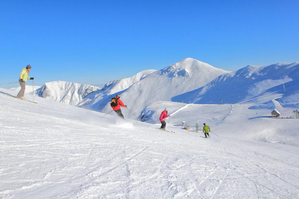 Ski sur le domaine skiable du Mont Dore - © Office de Tourisme Massif du Sancy