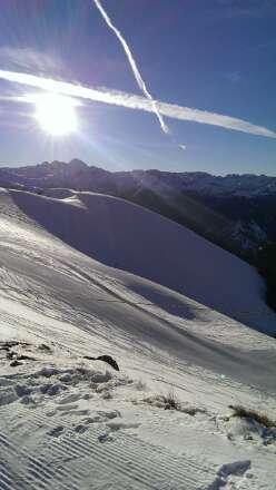 22/12/13 excellente journée où 100% du domaine est ouvert. Bonne neige, soleil et sans trop de monde. Le top ????