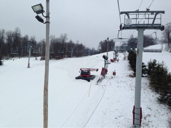 No lines, cold.....snow on the way. Solid conditions.