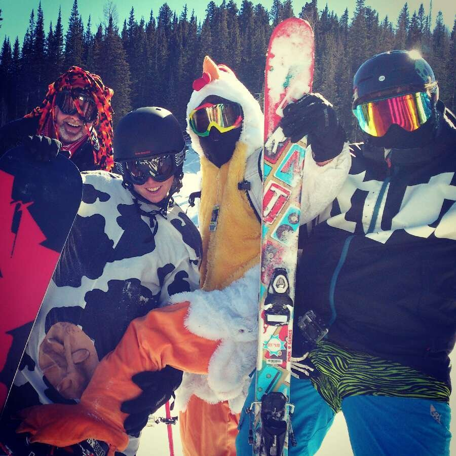 Hey! I took a picture of you guys. Haha, awesome day of skiing!!!