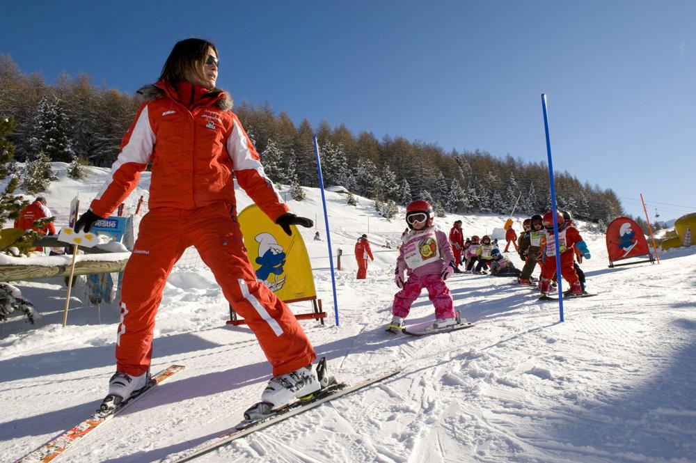Apprentissage du ski aux Ménuires - Les Piou Piou à l'école ESF - © © Savoie Mont Blanc / Lansard