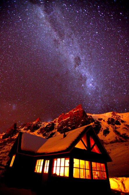 Forladt restaurant danner ramme om et par gode overnatninger i Bariloche - © Jeppe Hansen