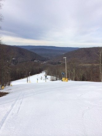 "Good beginner skiing.  12-20"", not 52"" like posted.  Only 3 runs open.  Worth skiing if you are here, but I wouldn't travel here just to ski."