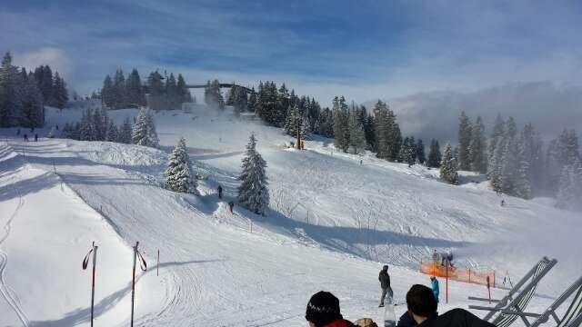oben gute Pisten. super Wetter. kann ich nur empfehlen. Talfahrt naja geht so. sonst alles prima zum Skifahrn.