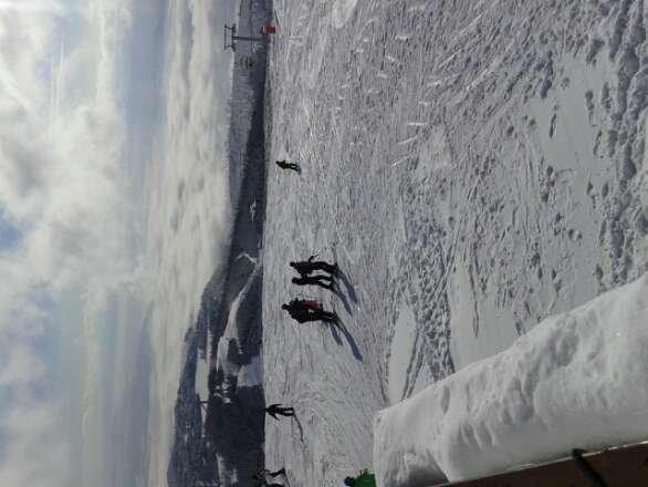 Trasy bardzo fajne,  ale po świeżym opadzie śniegu tworzą się muldy.