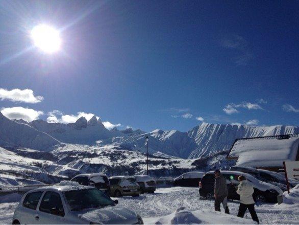 Station déserte, du soleil de la neige fraiche, commerçants et personnels des pistes sympas, nous reviendrons (hors période scolaire) c'est sûr!