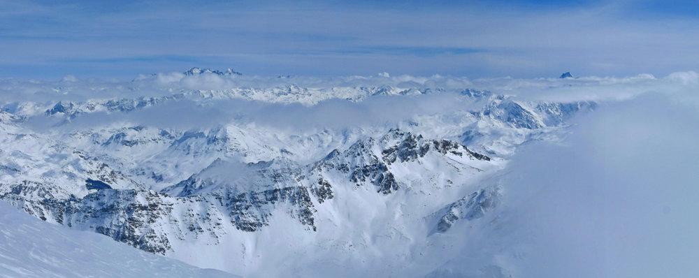 Panorama vom Gipfel des Piz Platta - © SkitourGuru.com
