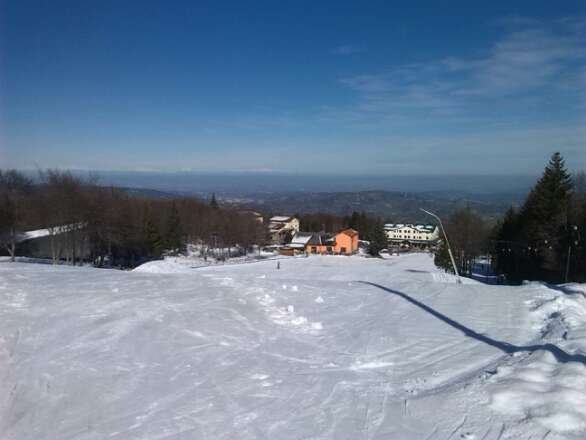 foto relativa al 12 feb. neve e tempo fantastici..peccato che dal giorno dopo manto nevoso compromesso ..spero in tempo buono e neve fresca al più presto