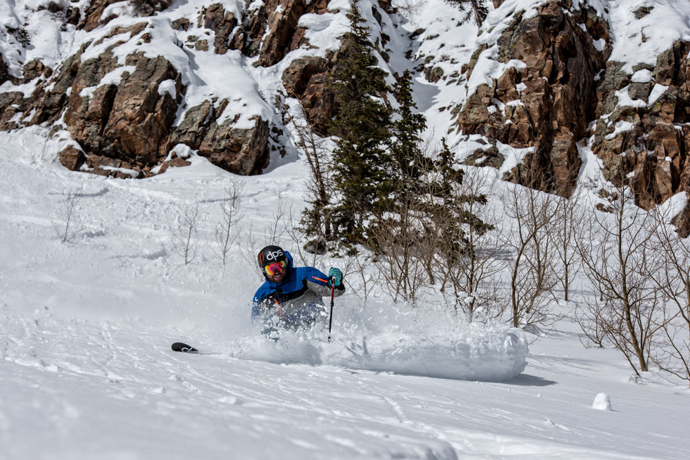 Crushing powder turns at Snowmass. Skier G.R. Fielding - © Liam Doran