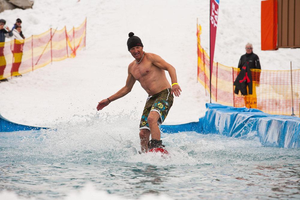 Snowboarder im Wasser - © Rudi Wyhlidal/Ötztal Tourismus