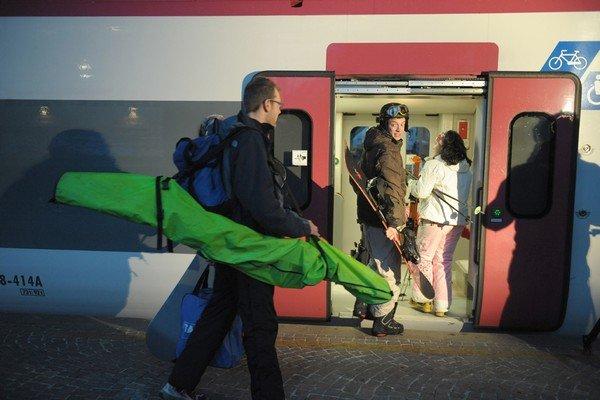 Val di Sole, Andare a sciare in treno