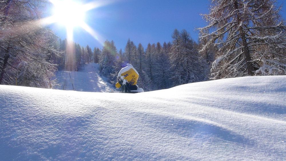 A Serre-Eyraud, les canons à neige sont surtout là pour le décor... - © Stéphane GG