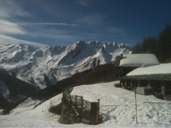 Giornata di sole entusiasmante. Un piccolo paradiso di montagna!!!
