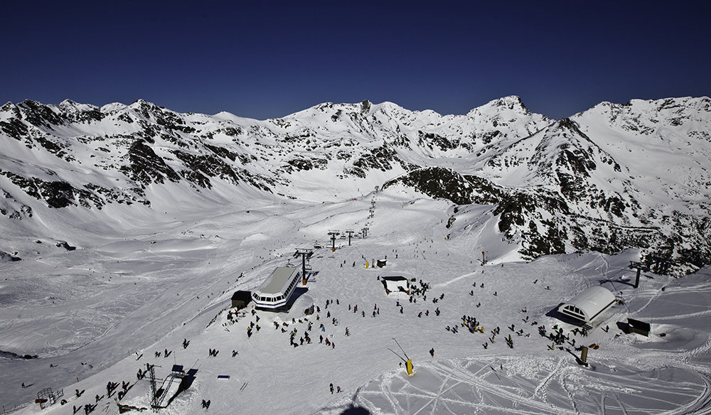 Vue sur le domaine skiable de Vallnord - © OT Vallnord