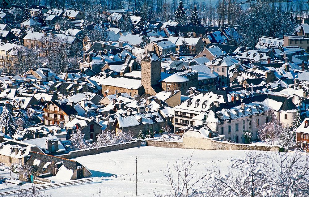 Vue sur le village de Luz Saint Sauveur - © NPY Luz-Ardiden