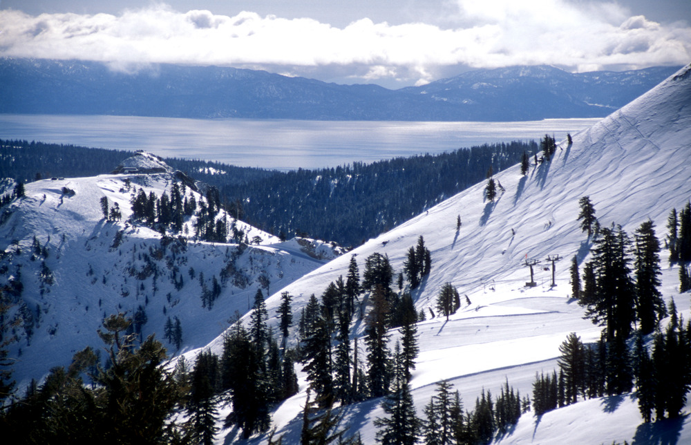 Panorama dell'Headwall di Squaw Valley. Foto di Nathan Kendall.